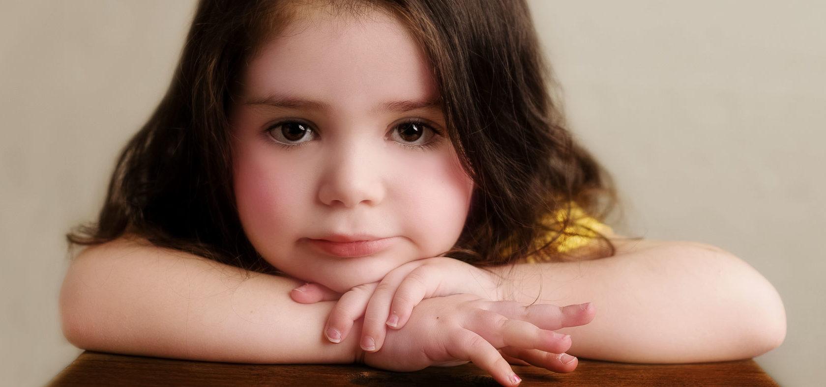 Träumerin, Anke Benen Photography, Kinderfotografie, das besondere Fotoshooting, magische Momente, Mädchen, Fotografie, NYC